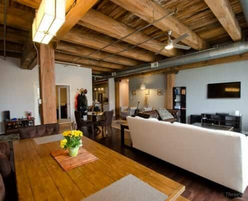 Ready to buy a Chicago loft? Here find all types of lofts: artist, brick & timber, concrete, conversions, historic, industrial, raw spaces, vintage lofts. Pictured here is a Chicago West Loop timber loft.