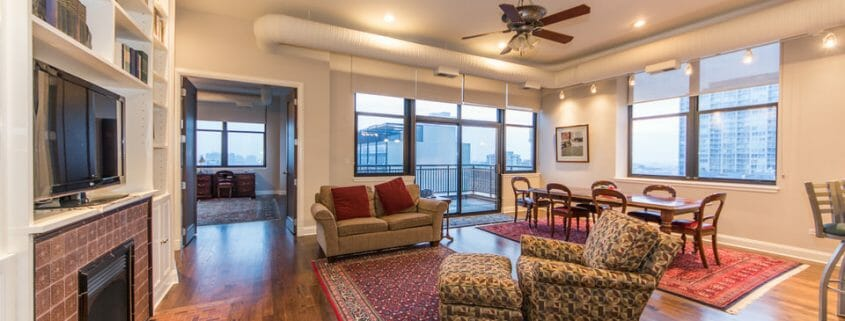 Printers Row Penthouse With Chicago Views - Living