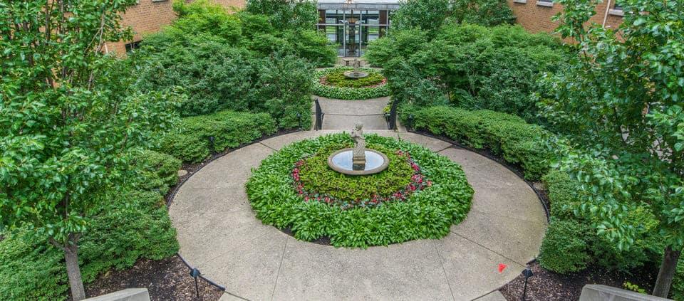 3740 N Lakeshore Drive Unit 11B - classic Lakeshore Drive condo - garden