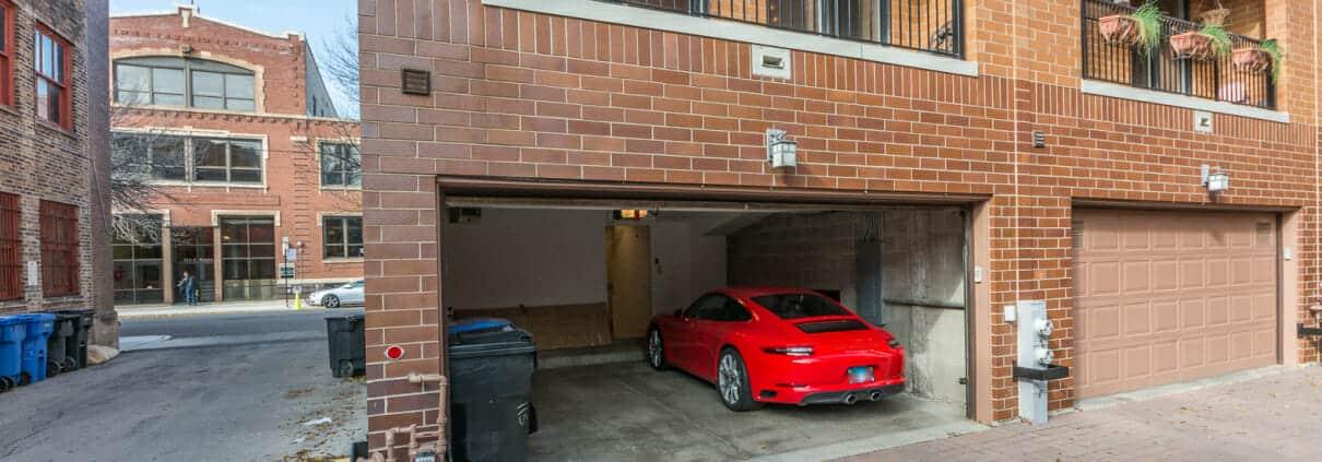 West Loop 3-Bedroom Townhome For Sale - Garage