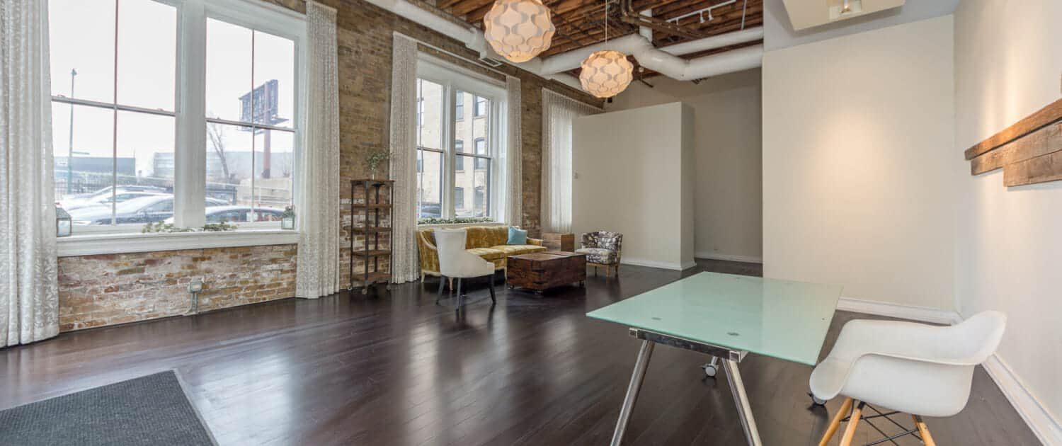 Chicago retail timber loft at 521 N Halsted - Art Gallery Space