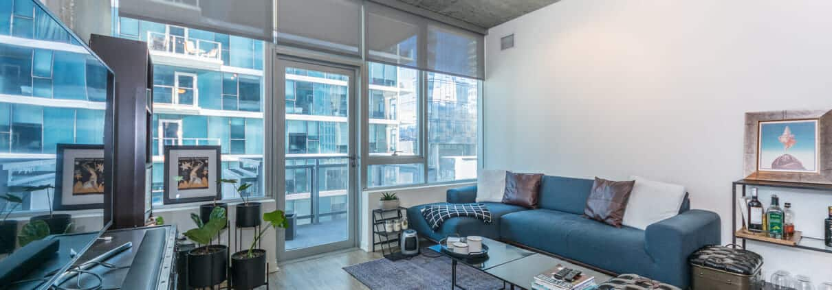 1345 S Wabash Ave, unit 709 is a modern South Loop 2 bed 2 bath condo - Living