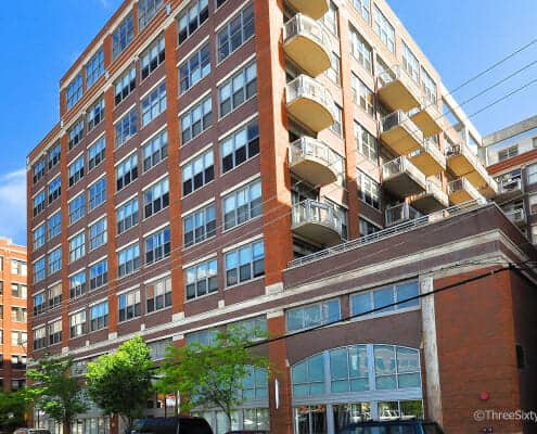 Exterior photo of 933 W Van Buren Condos, Chicago, IL 60607
