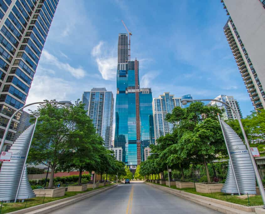 Search Chicago high rise condos, Buy a high rise condo, buying a chicago high rise condo, Exterior photo of Vista Tower high rise Condos in Chicago, IL