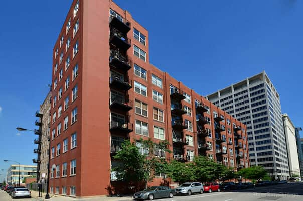 Exterior of Gotham Lofts at 420 S Clinton, Chicago IL