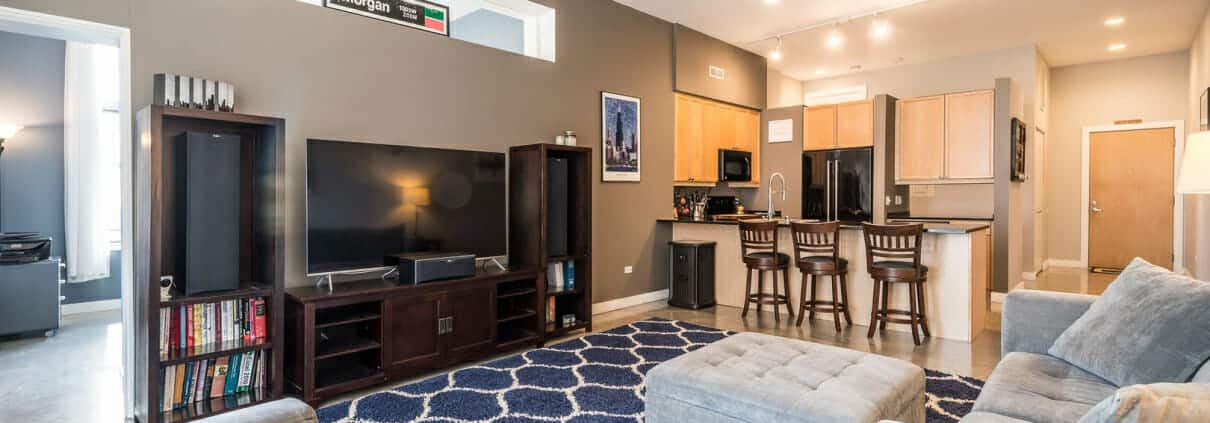 Immaculate West Loop Corner Unit at 949 W Madison unit 201 - living and kitchen