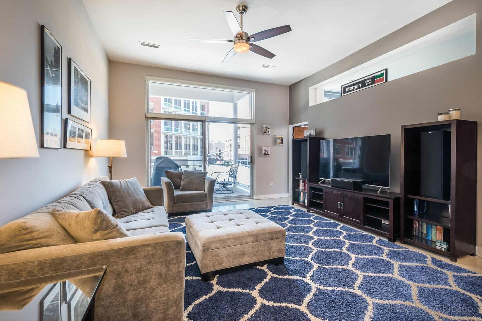 Immaculate West Loop Corner Unit at 949 W Madison unit 201 - living room