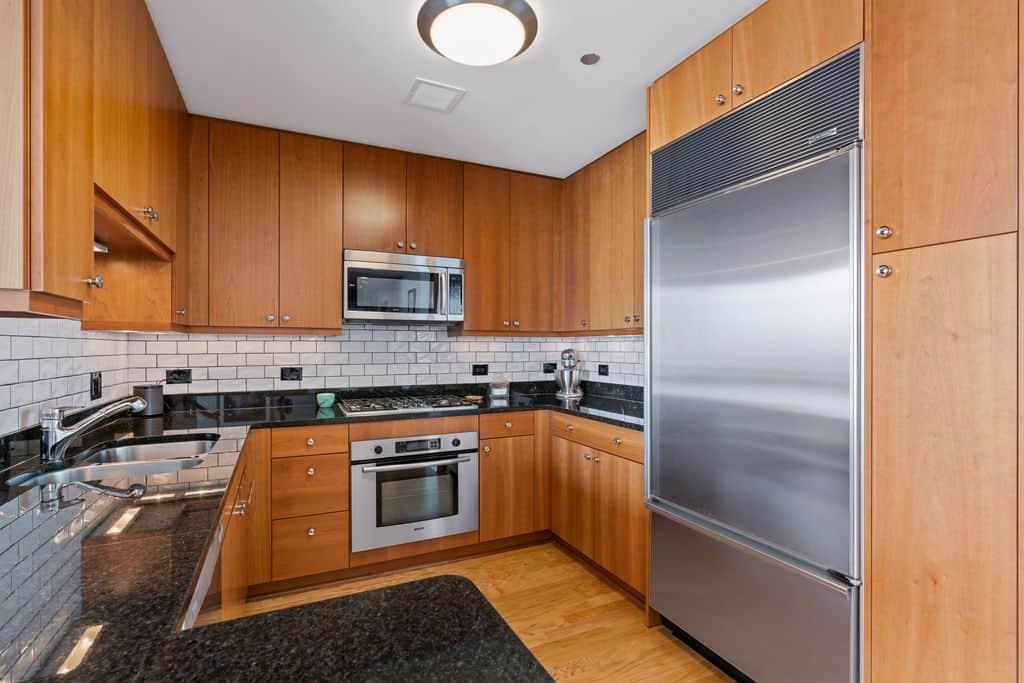 60 E Monroe Street, Unit 5403, Chicago IL 60603 - Kitchen