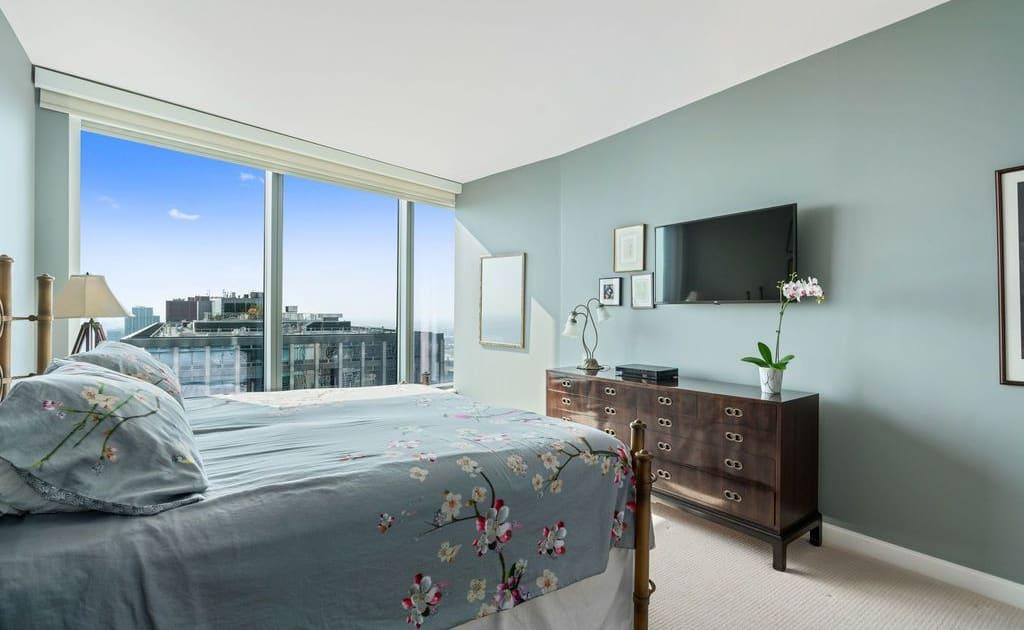 60 E Monroe Street, Unit 5403, Chicago IL 60603 - Main Bedroom