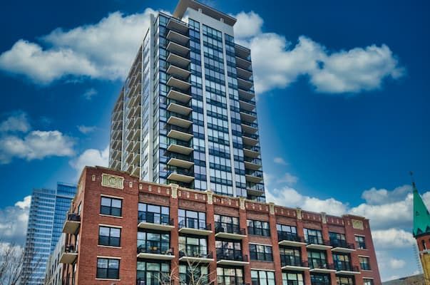 The Edge Lofts and Tower at 210 S Des Plaines, Chicago IL