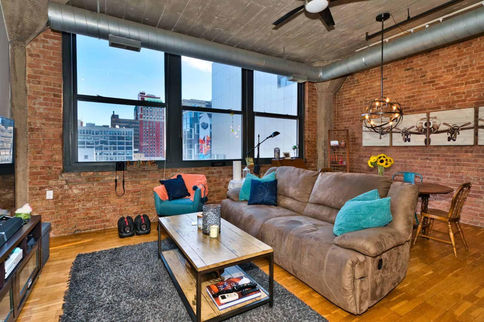 Printer's Row Concrete Loft - 621 S Plymouth Court, Unit 810, Chicago IL 60605 USA - Living Area Windows
