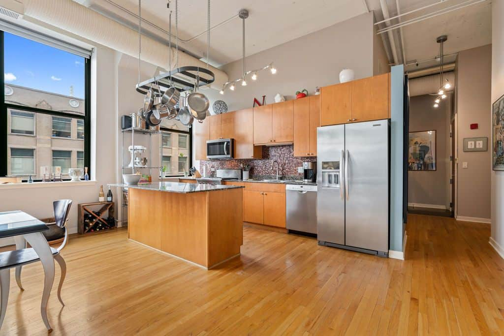 Classic Printer's Row loft - kitchen