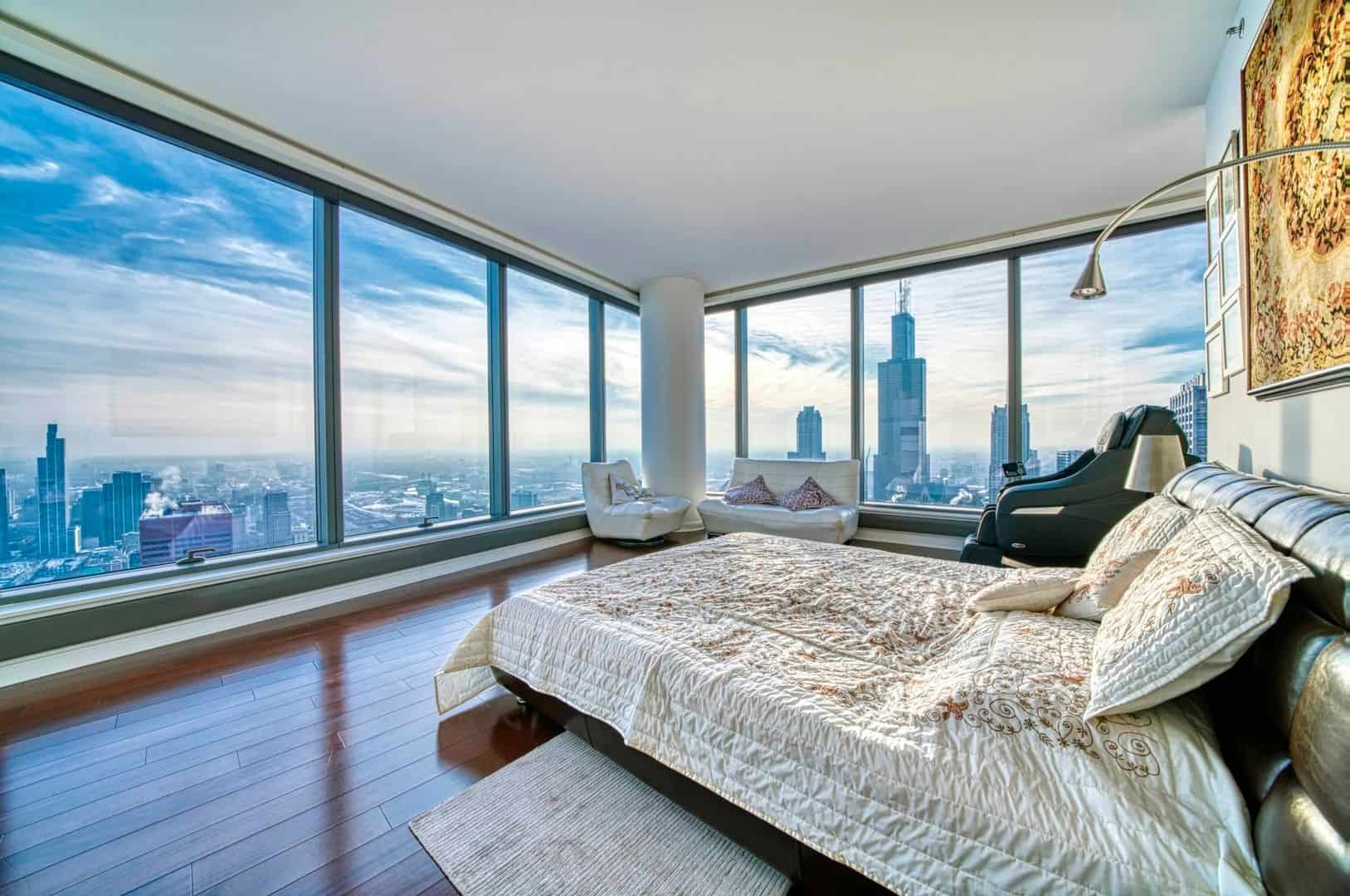 Spectacular Downtown Chicago Penthouse Rental - Main Bedroom