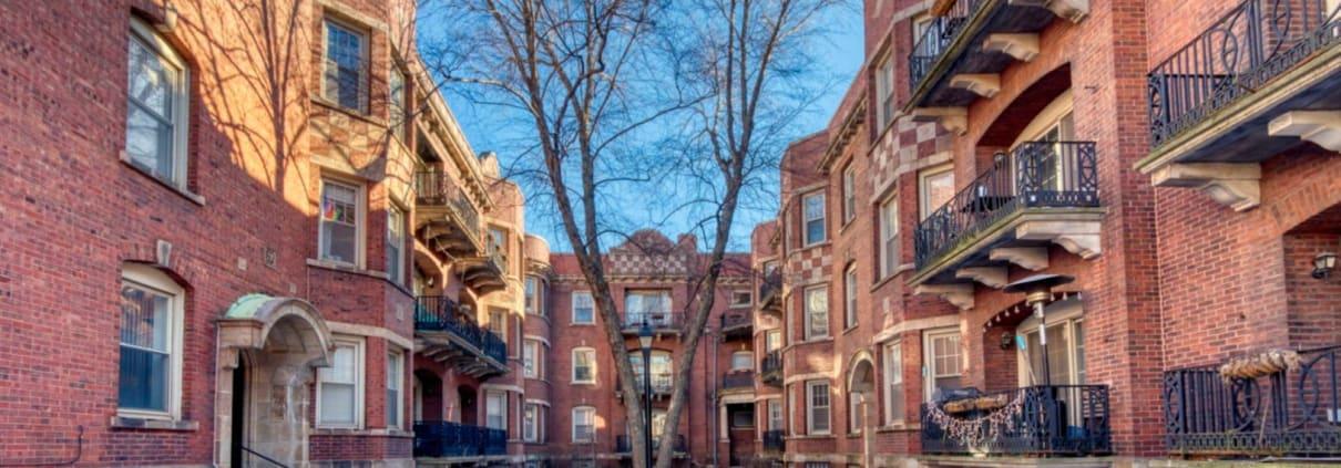 Hyde Park 3 Bedroom Condo For Sale - Exterior