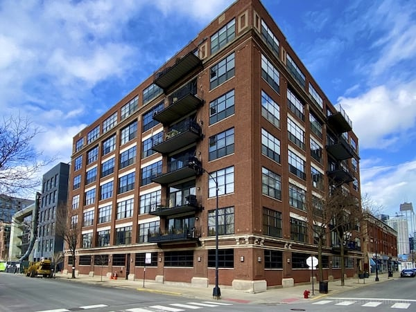 850 W Adams Lofts