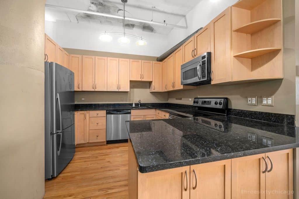 Two Bedroom Authentic Printer's Row Loft - New Kitchen
