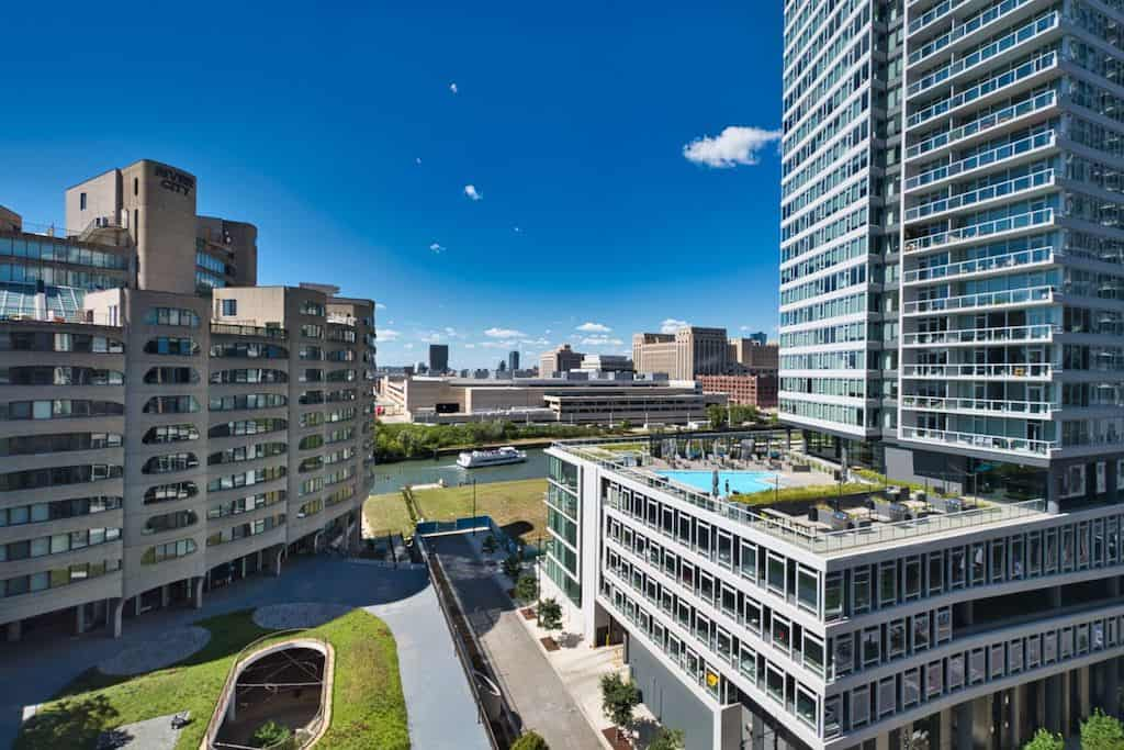 Two Bedroom Authentic Printer's Row Loft - River View