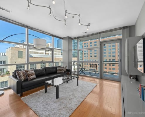 West Loop Contemporary Condo at 225 S Sangamon #501 - Living