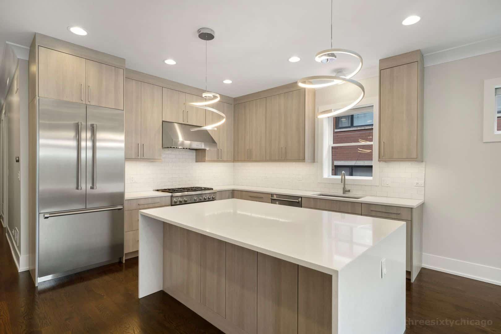 2018 W Le Moyne Street Unit 2E Chicago, IL 60622 - Kitchen