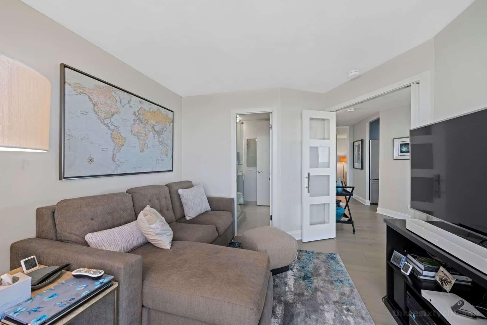 345 W Fullerton Parkway 2901 - Second bedroom
