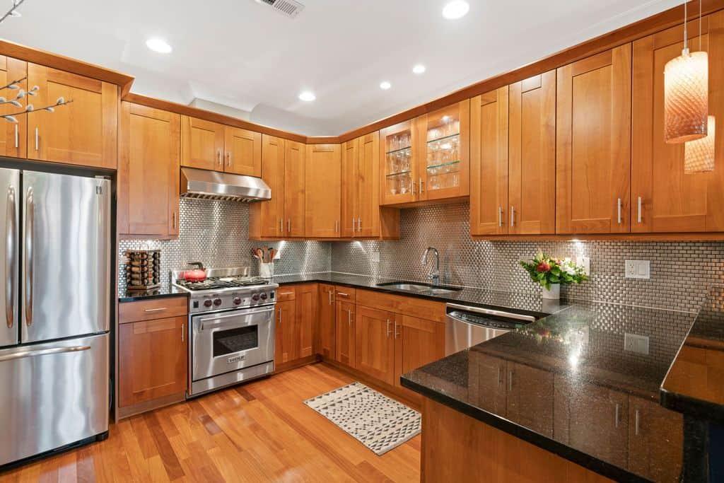 Kitchen - 1035 W Monroe #3, Chicago IL 60607