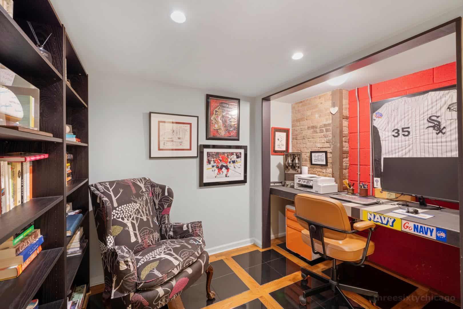 22 N Morgan Street, Unit 106, Chicago IL 60607 - Home office/ den