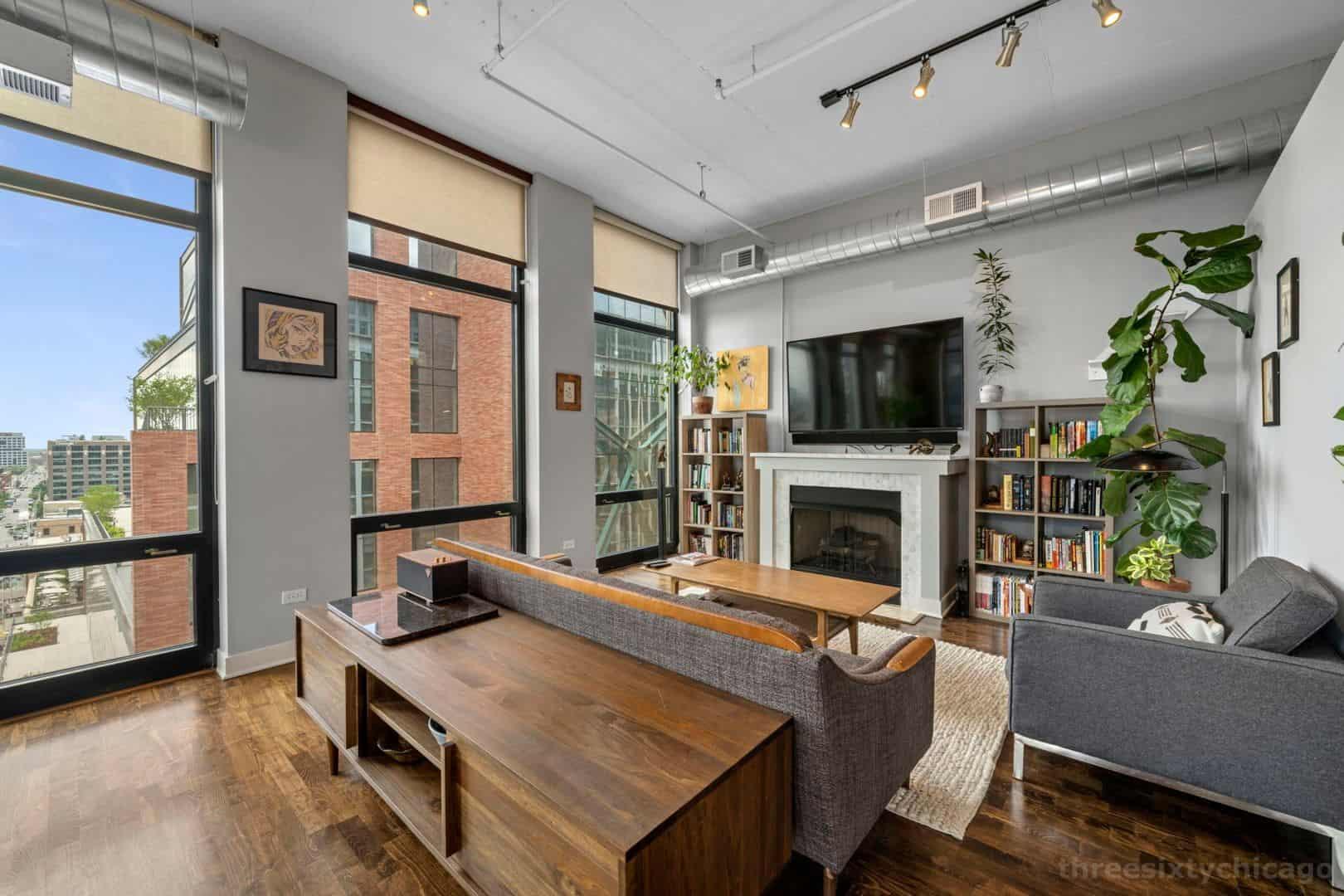 Fulton Market Two Bedroom Corner Unit - 740 W Fulton, Unit 1102, Chicago IL 60661 - Living Area